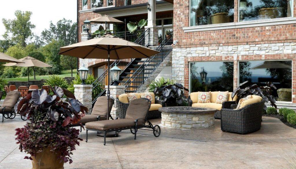 Rhonda Staley IIDA Mississippi Bluffs Estate Outdoors back deck